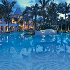pool by night-sugar beach resort-luxury mauritus honeymoon packages