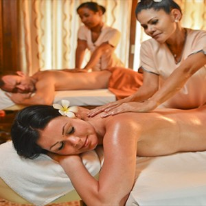 Bandos Maldives - Luxury Maldives honeymoon packages - couple spa