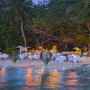 Bandos Maldives - Luxury Maldives honeymoon packages - dining