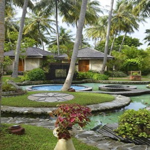 Bandos Maldives - Luxury Maldives honeymoon packages - exterior gardens