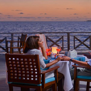 Bandos Maldives - Luxury Maldives honeymoon packages - romantic dining
