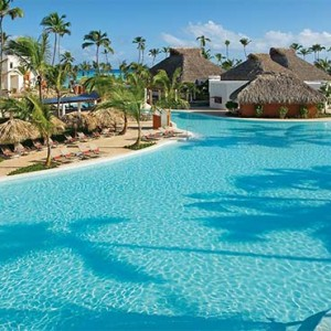 Breathless Riviera Cancun resort and spa - Luxury Mexico Honeymoon packages - pool