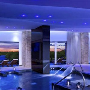 Breathless Riviera Cancun resort and spa - Luxury Mexico Honeymoon packages - spa circuit