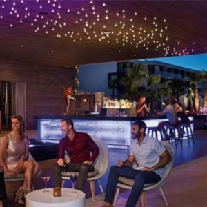Breathless Riviera Cancun resort and spa - Luxury Mexico Honeymoon packages - wink bar
