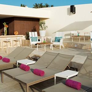 Foam seaside bar - Breathless Cabos San Lucas - Luxury Mexico Honeymoon Packages