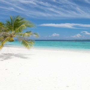 Vilamendhoo Island resort and spa - Luxury Maldives Honeymoon Packages - hammock beach
