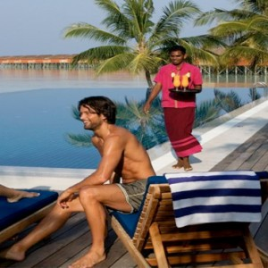 Vilamendhoo Island resort and spa - Luxury Maldives Honeymoon Packages - sunset bar