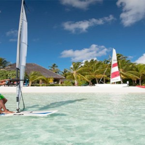 Vilamendhoo Island resort and spa - Luxury Maldives Honeymoon Packages - watersports