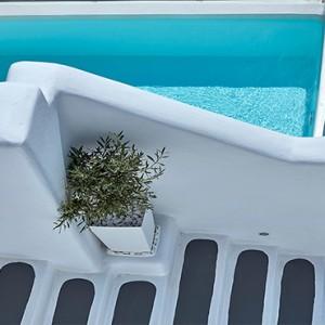 Charisma Suites Santorini - Luxury Greece Honeymoon packages - Charisma Infinity pool suite2
