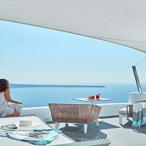 Charisma Suites Santorini - Luxury Greece Honeymoon packages - Charisma Infinity pool suite3