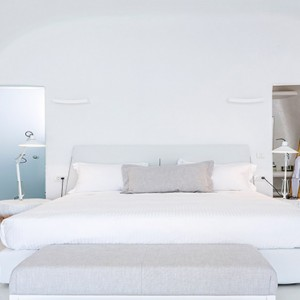 Charisma Suites Santorini - Luxury Greece Honeymoon packages - Senior suites room1