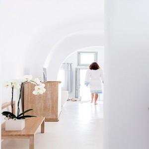 Charisma Suites Santorini - Luxury Greece Honeymoon packages - Senior suites room2