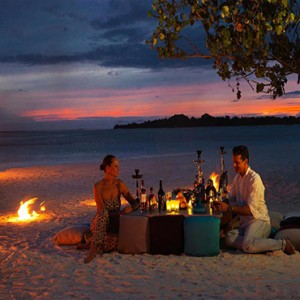 Cocoon Maldives - Luxury Maldives Honeymoon Packages - romantic beach dining
