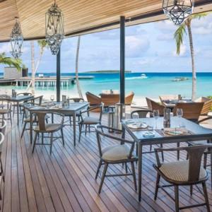 dining 6 - st regis maldives vommuli - luxury maldives holidays