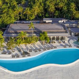 pool - st regis maldives vommuli - luxury maldives holidays