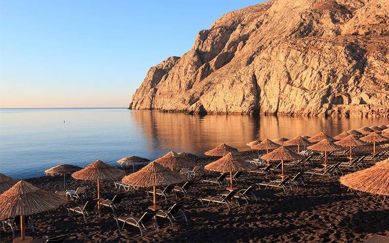 santorini beach - 10 reasons to minimoon in Santorini - Luxury Santorini Honeymoon Packages