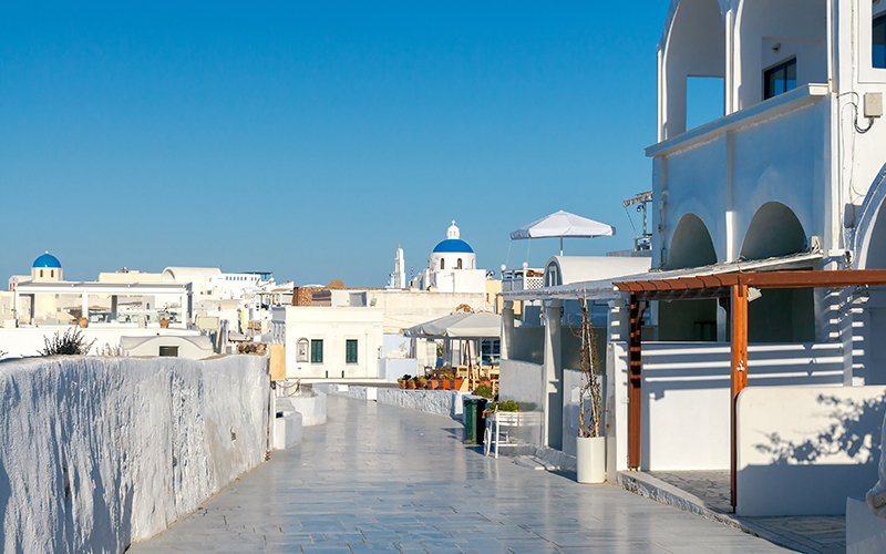 santorini shops - 10 reasons to minimoon in Santorini - Luxury Santorini Honeymoon Packages