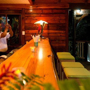 Acajou Beach Resort - Luxury Seychelles Honeymoon Packages - Bar