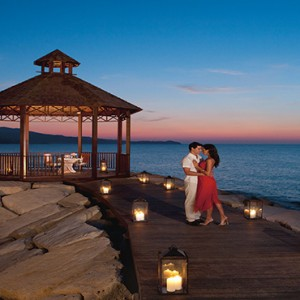 Sandals St James Montego Bay - Luxury Jamaica Honeymoon Packages - Romantic dinner
