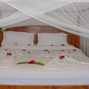 Southfield Estate Resort - Luxury St Lucia honeymoon Packages - One bedroom villa with ocean view bedroom