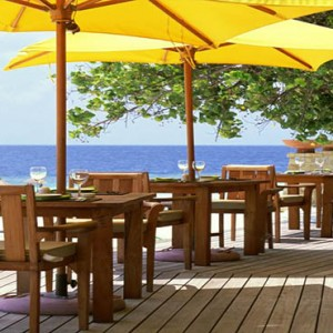 Angsana Ihuru Island - Luxury Maldives Honeymoon Packages - Velavanni restaurant and bar