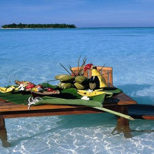 Angsana Ihuru Island - Luxury Maldives Honeymoon Packages - private dining in the sea