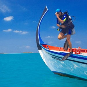 Angsana Ihuru Island - Luxury Maldives Honeymoon Packages - scuba diving1