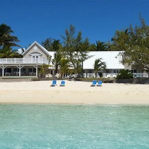 Astroea beach - Luxury Mauritius Honeymoon Packages - Beach