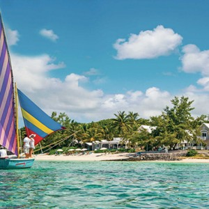 Astroea beach - Luxury Mauritius Honeymoon Packages - Beach and lagoon