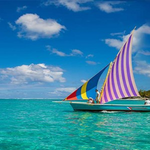 Astroea beach - Luxury Mauritius Honeymoon Packages - Boat cruising