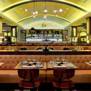 Bread Street Kitchen and Bar - Atlantis The Palm dubai - Luxury dubai honeymoon packages