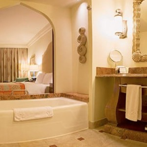 Deluxe Guest Room 2 - Atlantis The Palm dubai - Luxury dubai honeymoon packages