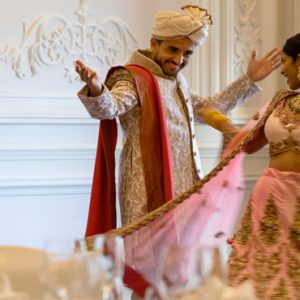 Dubai Honeymoon Packages Jumeirah Zabeel Saray Bride And Groom First Dance