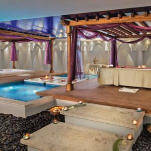 Dubai Honeymoon Packages Jumeirah Zabeel Saray Spa Pool3
