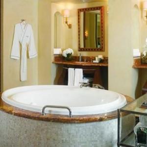 Regal Club Suite 2- Atlantis The Palm dubai - Luxury dubai honeymoon packages