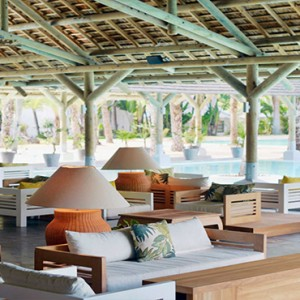 The Ravenala Attitude - Luxury mauritius honeymoon packages - Pool Bar