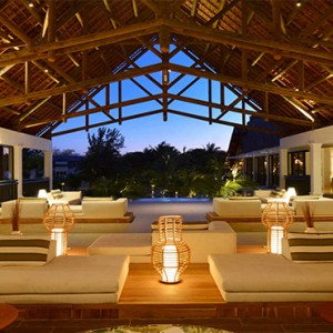 The Ravenala Attitude - Luxury mauritius honeymoon packages - lobby