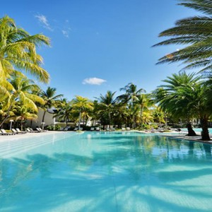 The Ravenala Attitude - Luxury mauritius honeymoon packages - pool