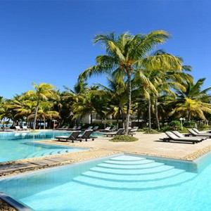 The Ravenala Attitude - Luxury mauritius honeymoon packages - pool1