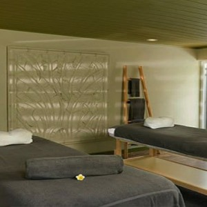 The Ravenala Attitude - Luxury mauritius honeymoon packages - spa treatment room
