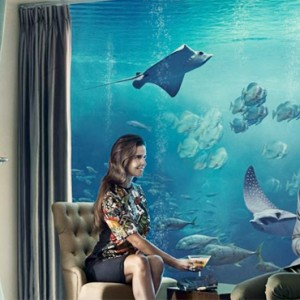 Underwater Suite - Atlantis The Palm dubai - Luxury dubai honeymoon packages