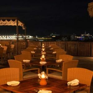 bar - Le Meridien Mina seyahi - Luxury dubai Honeymoon Packages