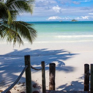 beach - le duc de praslin - luxury seychelles honeymoon packages