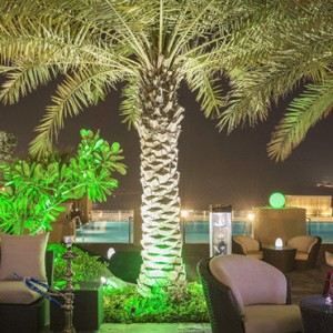 infini pool - sofitel dubai jumeirah beach - luxury dubai honeymoon packages