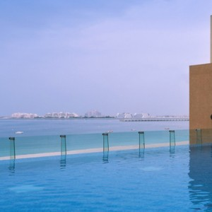 infinity pool - sofitel dubai jumeirah beach - luxury dubai honeymoon packages
