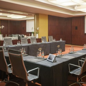 meeting room - sofitel dubai jumeirah beach - luxury dubai honeymoon packages
