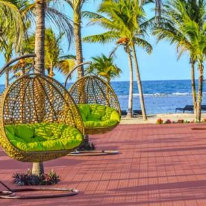 pool 2 - Sun Aqua Pasikudah - Luxury Sri Lanka Honeymoon Packages