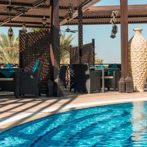 pool bar - Le Meridien Mina seyahi - Luxury dubai Honeymoon Packages