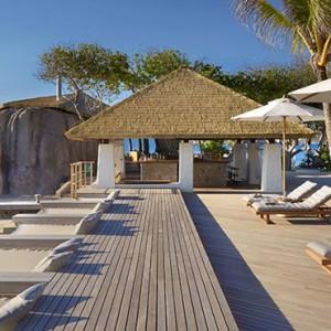 pool bar - six senses zil pasyon - luxury seychelles honeymoon packages