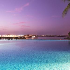 sunset - Le Meridien Mina seyahi - Luxury dubai Honeymoon Packages